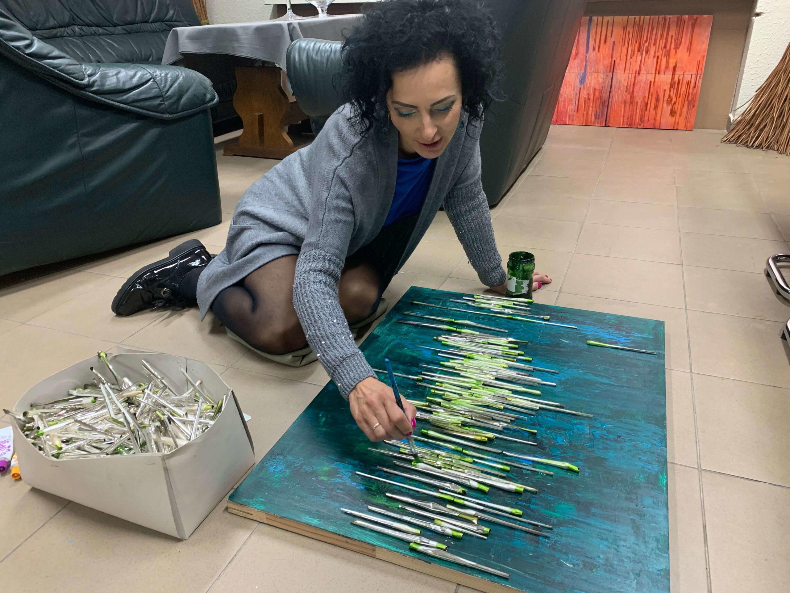 Lucyna Gozdek - artysta w pracy