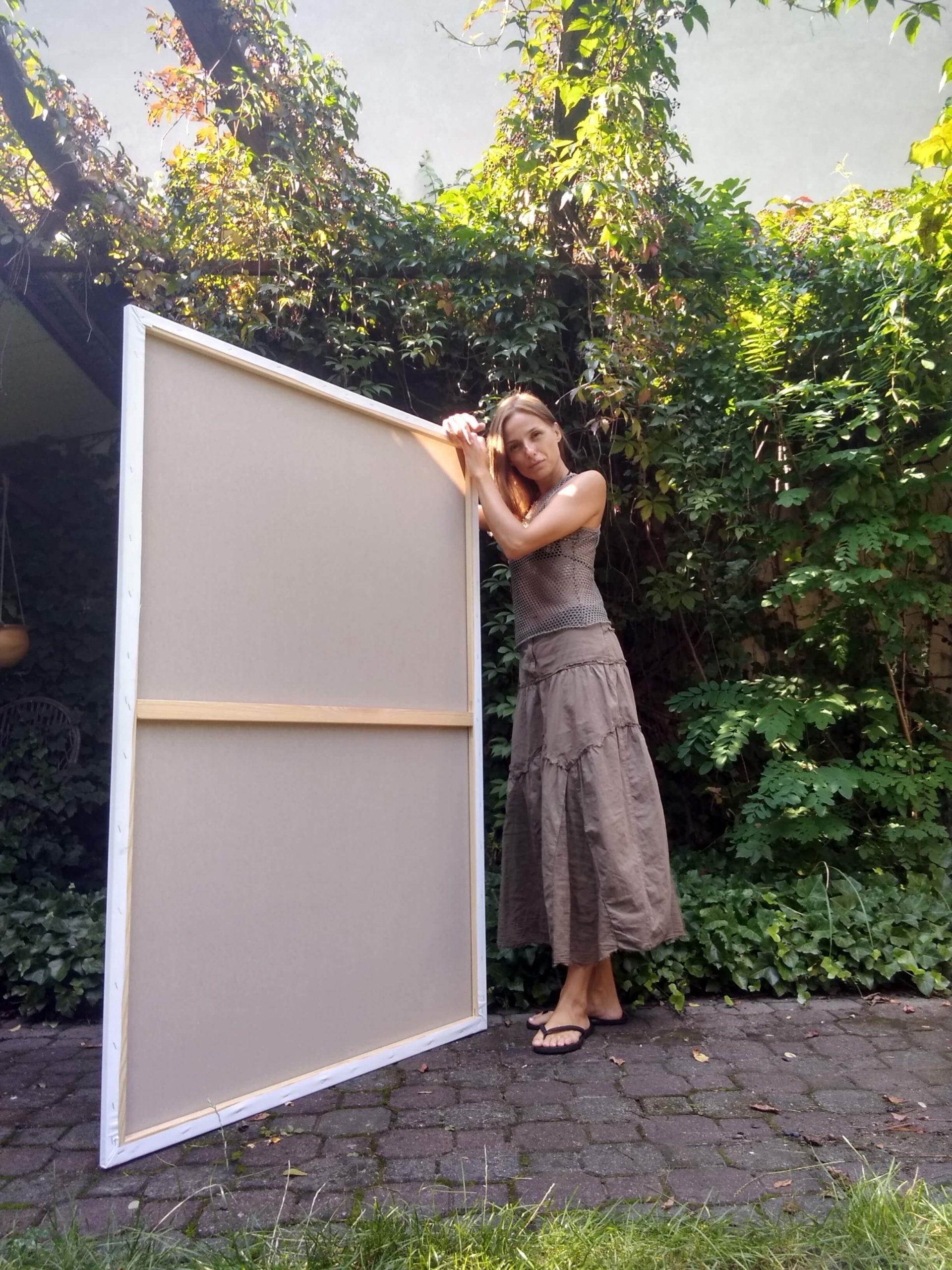 Izabela Kita - portret z obrazem plenerowym